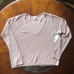NWT BP Size Medium V-Neck Pullover
